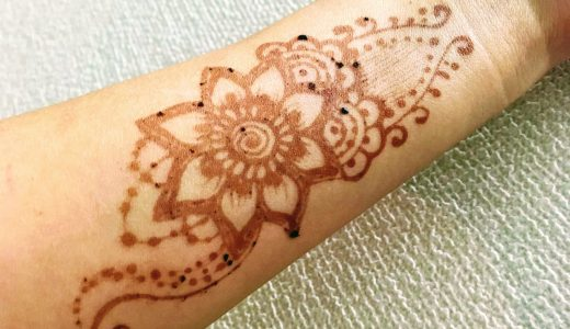 ヘナタトゥーを描くとアレルギーが出るって本当!? 症状と対策